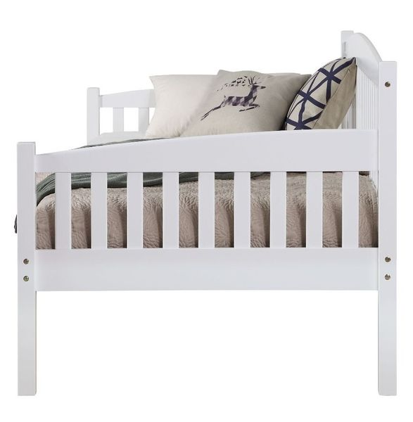 Caryn White Finish Wood Twin Daybed by Acme