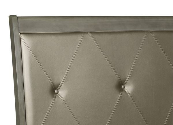 Cotterill Gray Wood/Faux Leather Full Bed by Homelegance