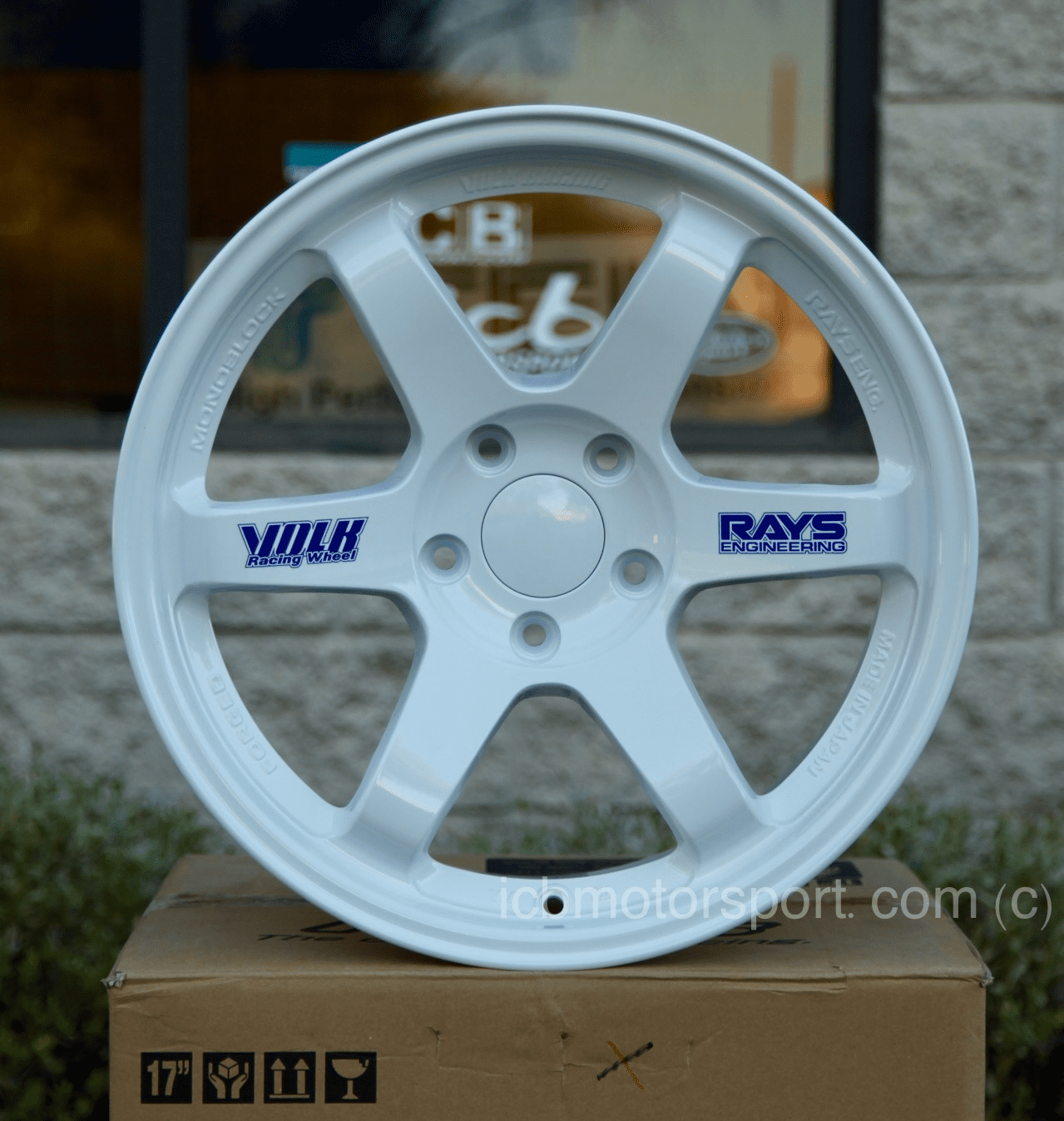 Rays Volk Racing TE37 Wheels 17X9 5X114.3 +34 Offset Concave Face White