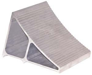 """Extruded Aluminum Wheel Chock, 6"""" x 9"""" x 6"""", Buyers WC6096A"""
