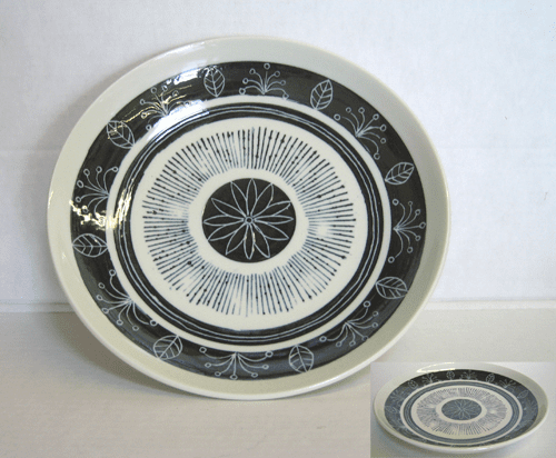 Black and White Dinner Plate 9-1/4""