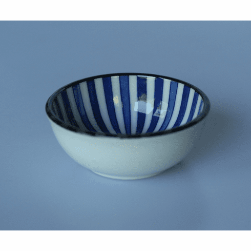 Blue and White Radiating LInies Pattern Saucer