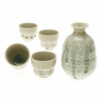 Snowy Meadow Sake Container &  <br>4 Cups Set