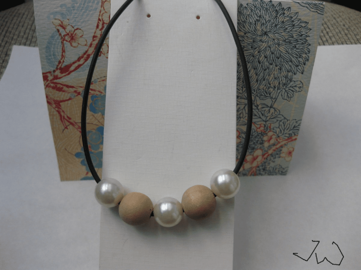 2 Wood beads and 3 Pearl Beads Necklace