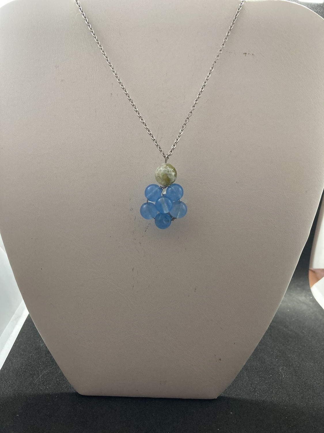 Blue Crystal Bead Chain Necklace with Agate
