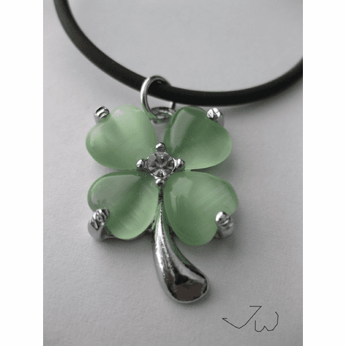 Green Lucky Leaf Necklace