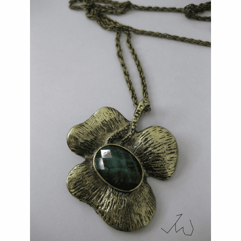 Lucky Leaf Bronze Pendant Necklace