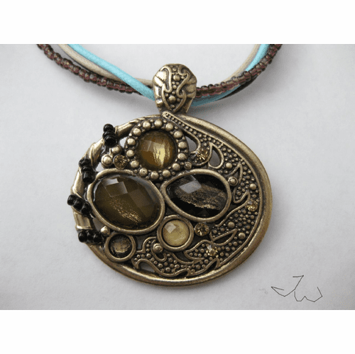 Round Shape Vintage Bronze Pendant Necklace - 334