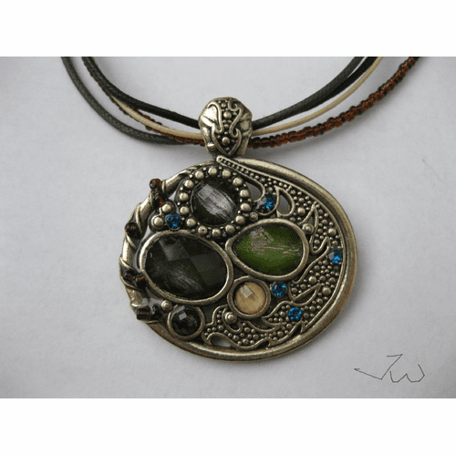 Round Shape Vintage Bronze Pendant Necklace - 663