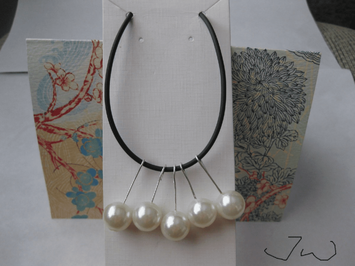 White Pearl Beads Necklace