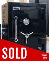 Used AMSEC Home Safe with Steel Plate Door