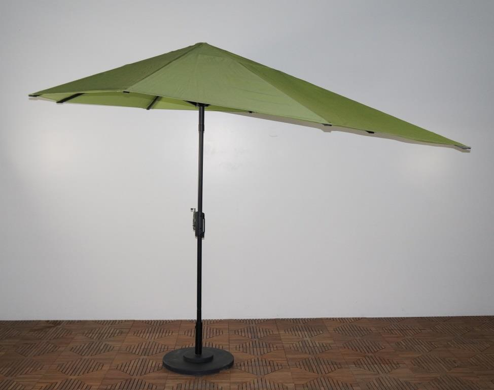 16 Ft Span Vizor Patio Umbrella