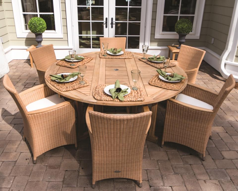 Royal Teak Dining Set W Round Table 6 Wicker Chairs