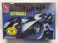 AMT ERTL 6877 Batmobile From The Batman Movie 1:25th Scale Sealed