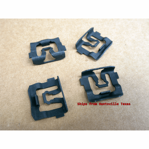 1968-1969 Ford Fairlane Windshield Reveal Moulding Clips (15)