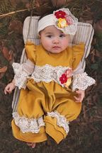 Haute Baby Fields of Gold Romper (Size 12Mos)