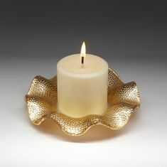 "Gold Ruffle Plate with 3"" Round Pillar Candle"