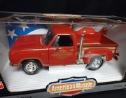 AmMuscle 7385      --       '78 Dodge Lil Red Truck    1:18