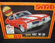 AMT 1105/12      --    1969 Olds 442 W-30    1:25