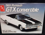 AMT 6428      --    1969 Plymouth GTX Convertible  2'n1   1:25