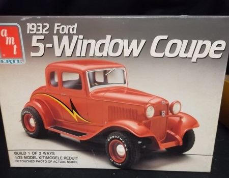 32 Ford Five Window Coupe 3 in 1 Model Kit