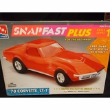 AMT 1097 1970 Corvette LT-1 ZR-1 Coupe Plastic Model Car Kit Chevy Vette