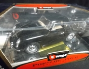 Burago 3021    --    1961 Porsche 356 B Coupe`    1:18   (plastic on box has large tear)