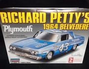 Lindberg 72164    --    Richard Petty's #43 1964 Plymouth Belvedere    1:25