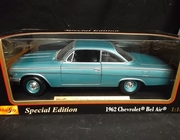 Maisto 31641    --    1962 Chevy Bel Air  1:18