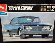 AMT 30044     --     '60 Ford Starliner   1:25