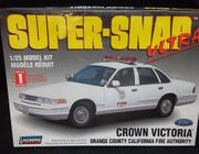 Lindberg 72715     --  Orange County California Fire Authority Crown Victoria    /   SuperSnap   1:25
