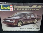Revell 2175      --    '94 Chevy Impala SS Lowrider 2'n1   1:25