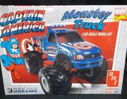 "AMT 857/12    --    ""Captain America"" Monster Truck    SnapIt   **1:32"