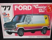 "AMT 1108/12      --     ""Cruising Van""   '77 Ford   1:25"