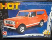 AMT 38585      --      International  Scout   1:25