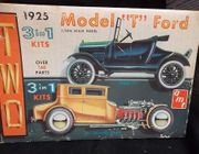 """AMT 125     --     1925 Model """"T"""" Ford   /  Build 2 Complete Cars: Stock """"T"""" & """"T"""" Chopped Coupe    Both 3'n1    1:25    (decals damaged)"""