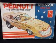 "AMT 2801     --   ""The Quarter Mile Smile - Peanut 1"" Monza Funny Car 1:25"