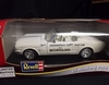 Revell 8832     --     '65 Mustang Pace Car  1:18