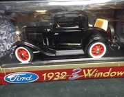 RoadLeg.92248    --    1932 3-Window Ford    1:18