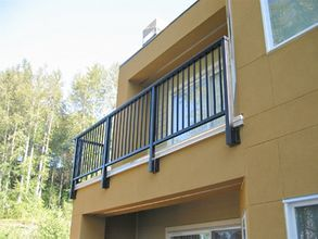 Bronze Aluminum Picket Railing - Bellevue, WA