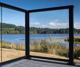 Black Aluminum Glass Railing - Cullaby Lake, OR