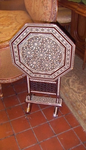 Charming Arabisc folding side table