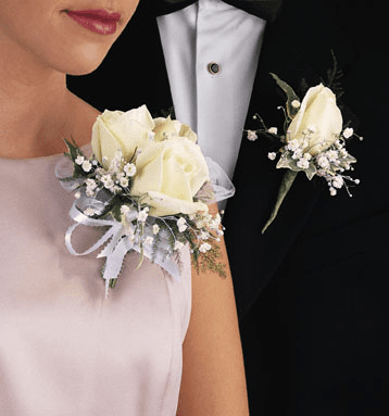 T088-03 Rose Corsage with Baby's Breath