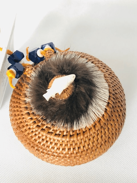 """5"""" ROUND HAND WOVEN GRASS BASKET WITH LID"""