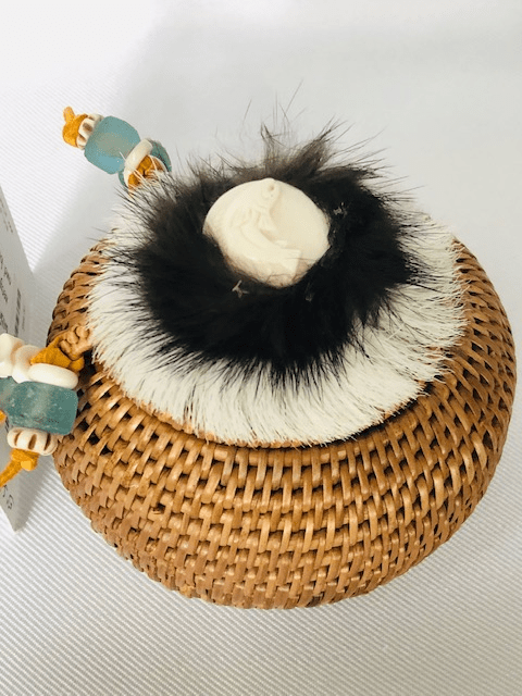 """5"""" ROUND HANDWOVEN GRASS BASKET WITH LID"""