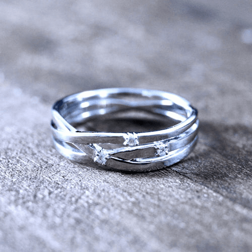 Three Diamond Crossover Band Ring