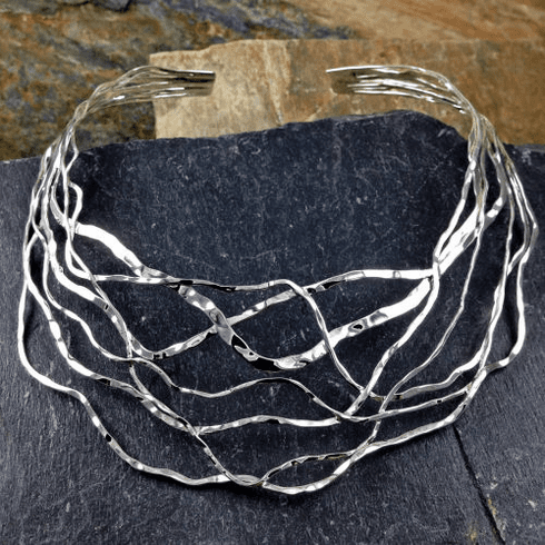 Wavy Hammered Collar