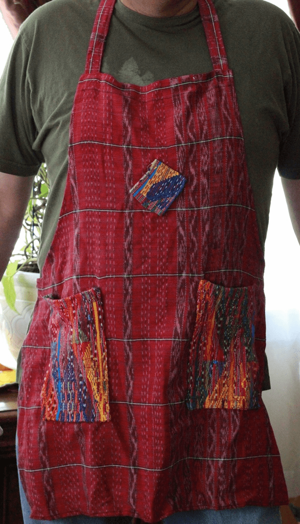 RECYCLED HUIPIL AND CORTE APRON