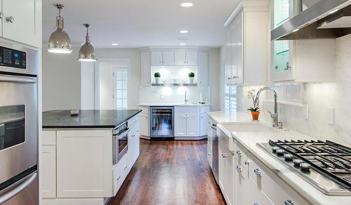 Dartmouth Painted White Kitchen Cabinets