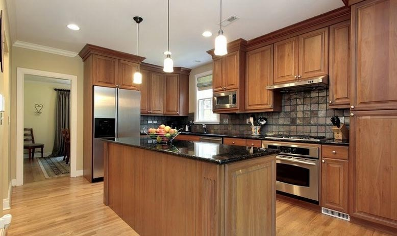 Saginaw Chestnut Kitchen Cabinets